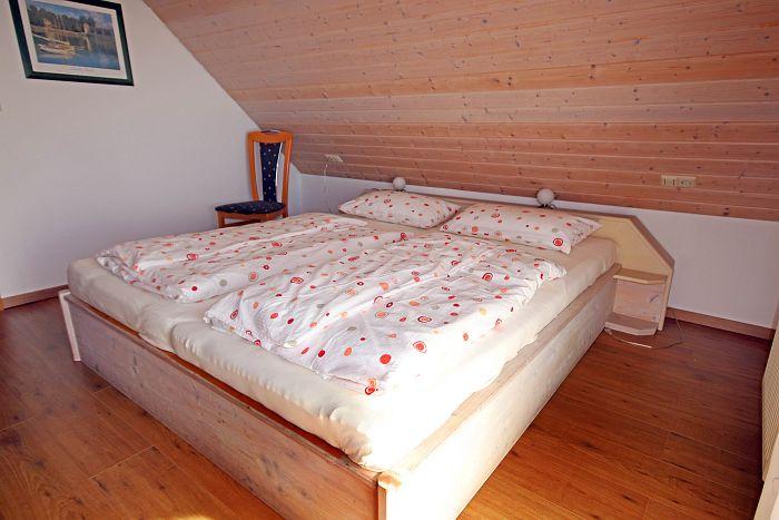 Ferienwohnung Wiesenblick - Schlafzimmer